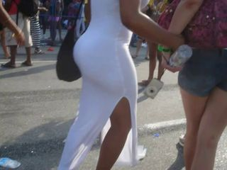 Nice white butt in carnaval...YES or NOT???