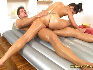 Ass Babe Massage Oiled