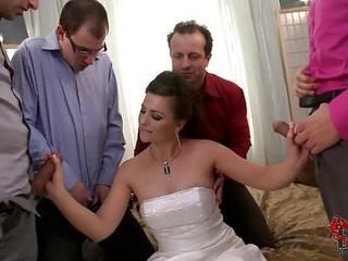 Slutty Bride Jessica Fiorentino Bares Her Tits And Men Pull Out Their...