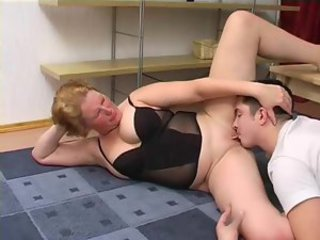 He shaves her pussy and she rides his face