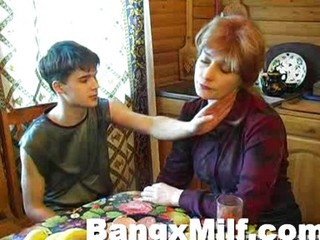Amateur Homemade Mature Mom Old and Young Russian Teen