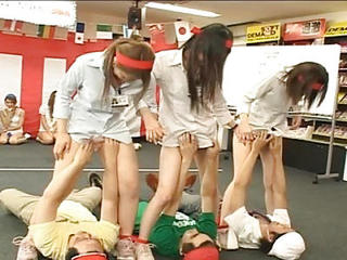 Japan Employees Play Weird Bizar...