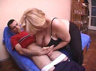 Blonde Granny woman fuck unchanging involving the sweetheart of her daughter