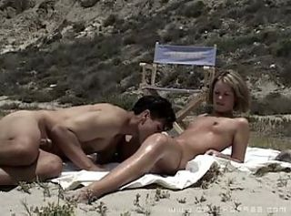 Amateur Beach Girlfriend Licking Outdoor Small Tits