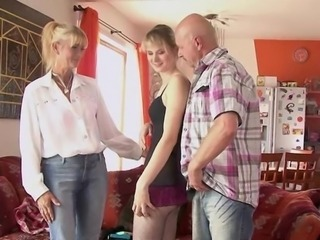 Mature mommy coupled with dad seduce coupled with pounde their son's swain