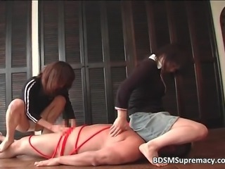 Two brunette asian girls play bondage