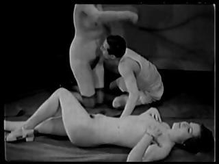 Vintage Porn 1920s Ffm Threesome - Nudist Bar