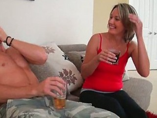 Hardcore Sex For This Cute MILF
