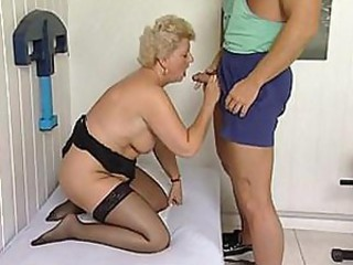 Mature plumper is property a massage and a workout with a hard cock