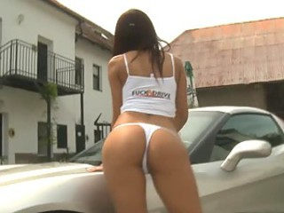 Incredibly Sexy Babe Masturbating In a Corvette