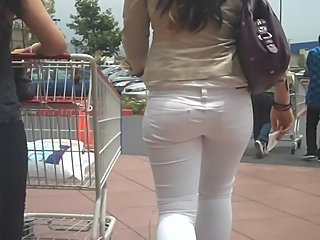 "Nice ass And butt in tight white jeans shopping - she is fine"" target=""_blank"