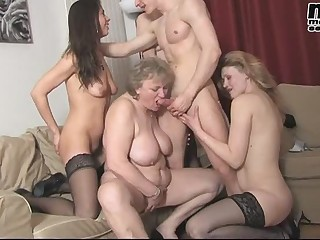 FIT YOUNG GUY FUCKS MATURE ORGY BBW 2