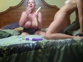 Two Blondes fuck each other