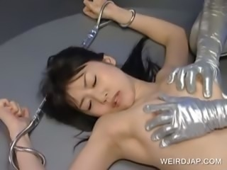 Asian slave tongue kisses alien