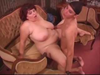 Big Tits Mature Mom Natural Old and Young