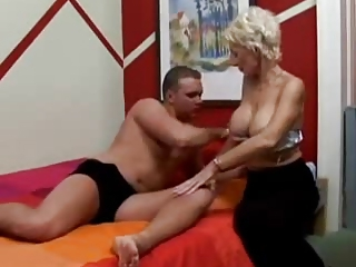 Amateur Big Tits Mom Old and Young Silicone Tits