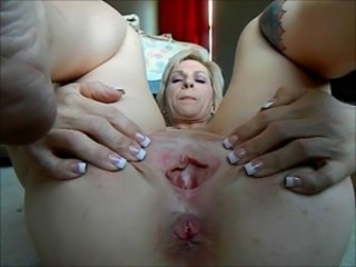 mature workes her ass