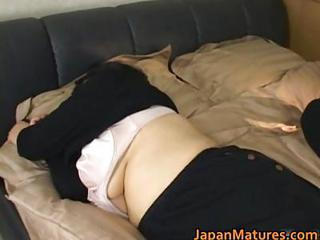 Asiatique Joufflue Japonaise Mature Dormir