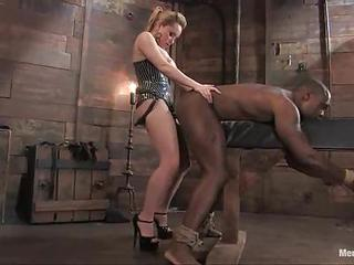 Black Hottie Experiences A Fuck Up The Ass By This Huge Strap On.