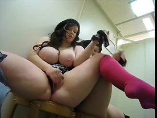 Fat chick masturbates in changing room