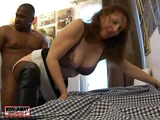 Mature lady likes getting that big black cock shoved in deep