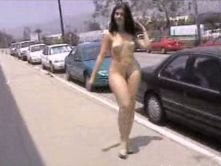 PUBLIC NUDITY--CURVY GIRL WALKING