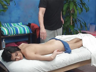 Zoey Lured And Shaged By Her Massage Therapist Onto Hidden Camera