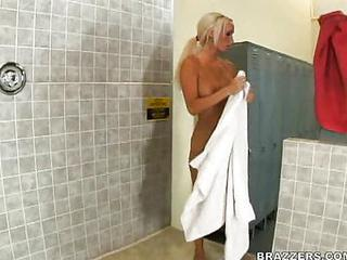 Amazing Big Tits Blonde  Pornstar Showers