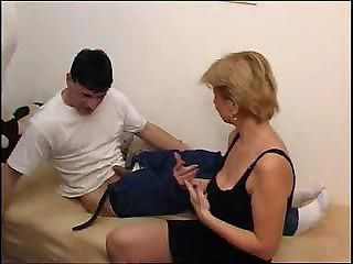 Blonde Short Haired Mom Threesome