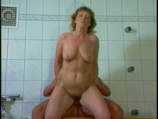 Amateur Mature Riding  Showers