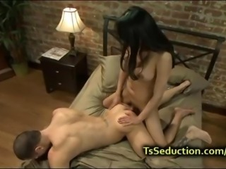 Receiver fucks guy and makes him to cum