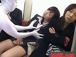 Japanese AV Model and other girls fucked