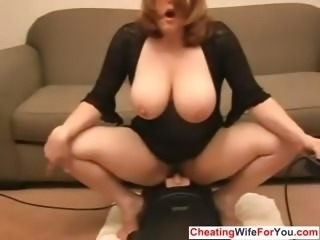 Bbw fatty rides a dildo and squirts
