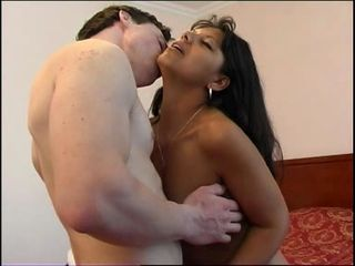 Latina girl fuckt in hotel