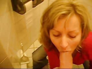 Hot Toilet Blowjob