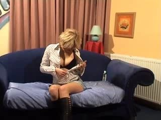 Dutch girl masturbates