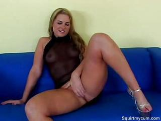 Flower Tucci Crowd Squirting Ga...