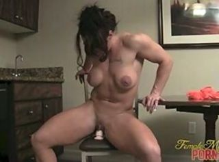 Amateur Masturbating  Muscled Toy