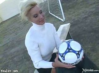 Lonely milf blonde picked up by a horny football player for joys of fuck