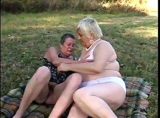 Granny BBW Lesbians Eat Each Other on a Picnic