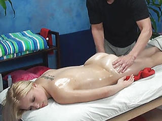 Kont Dame Blonde Schattig Massage Geolied
