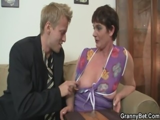 Her hairy old cunt gets hammered free