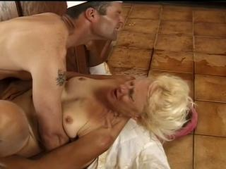 Freaks & geeks- most sexy granny in the world. Sex Tubes