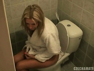Amateur European Teen Toilet