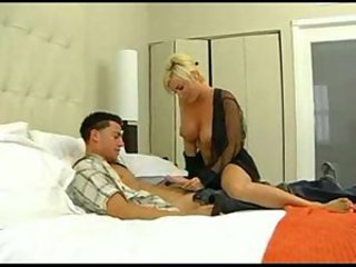 Diamond foxxx loves young cock wmv v9