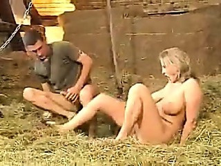 Joufflue Allemand Handjob En plein air