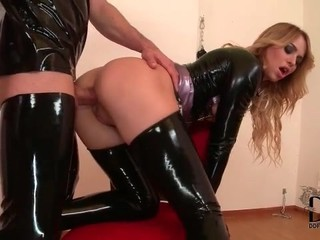 Slut in tight latex fucked...