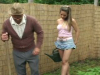 Old man in the garden gets young girl to fuck him