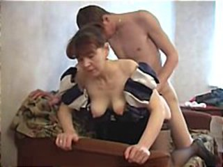 Sexy Mum Fucks guy !