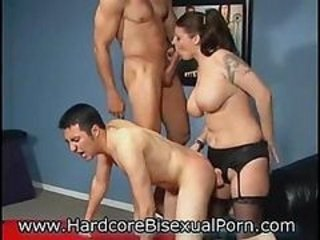 Young Bisexuals Love 3somes!